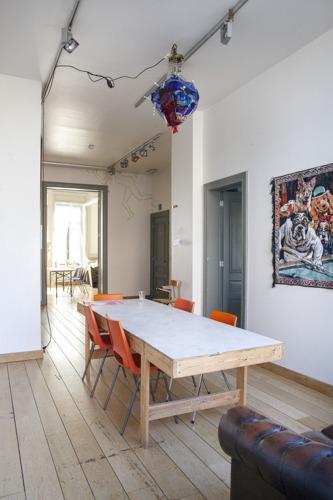 Pascal Smet lanceert twee open calls voor kunstenaarsateliers- en residenties