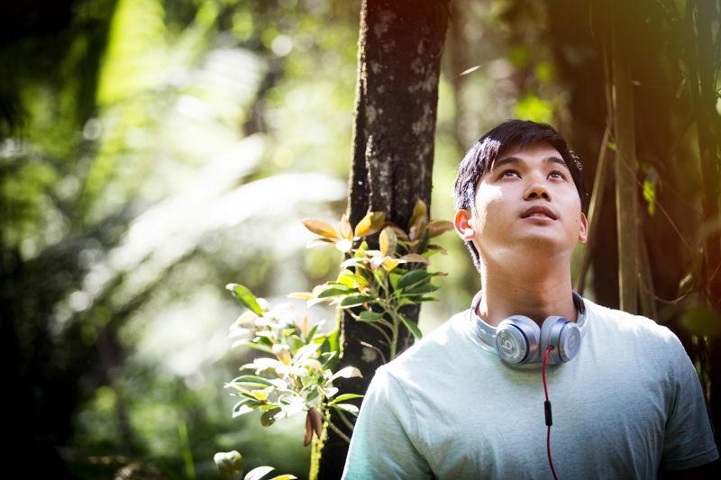 TWTWB Ep 101 Jon Prasida plays Lee Takkam