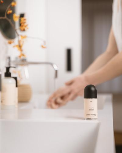 """Hair & body care """"Ray"""" lanceert allereerste gezonde en hervulbare deodorant in België"""