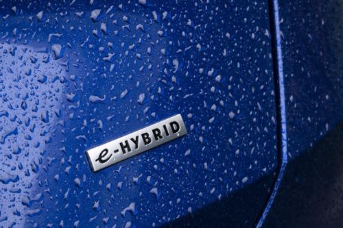 Hybride wagens zijn niet bedoeld voor lange afstanden en andere foute beweringen