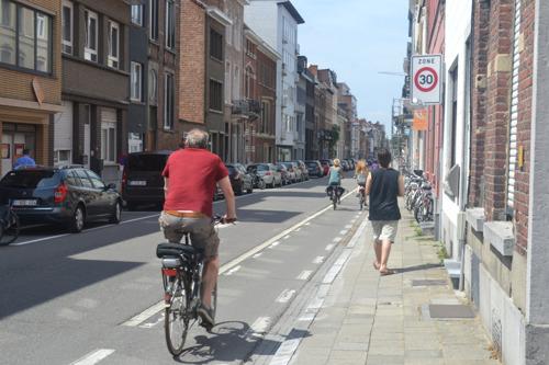 Werken aan nieuw en breder fietspad Blijde Inkomststraat van start