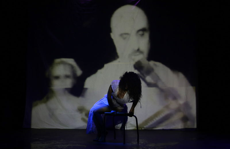 In Between Breath with Francesca Matthys - credit Nardus Engelbrecht Cape Town Fringe 2016