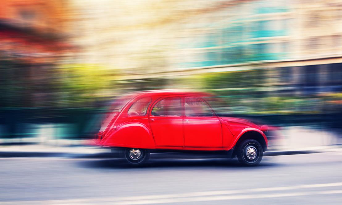 Polacy pragną natychmiastowej transparentności. Póki co kupują auta coraz starsze i w coraz gorszym stanie technicznym. Dlaczego?
