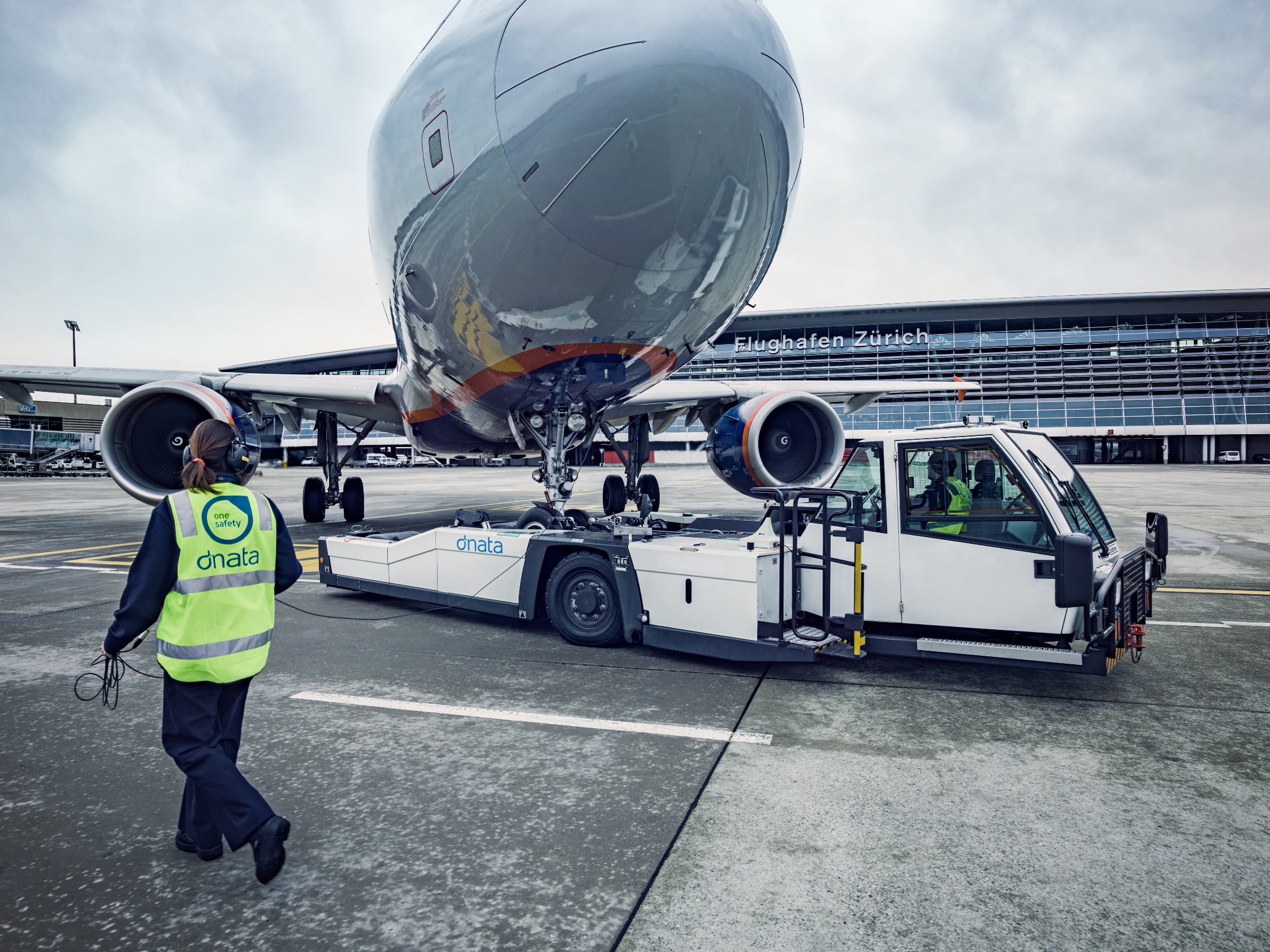 dnata wins licence to continue cargo & ground handling services at Zurich Airport for next seven years