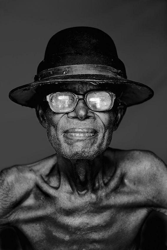 Etienne Kinshasa, DRC, 2010 © Stephan Vanfleteren