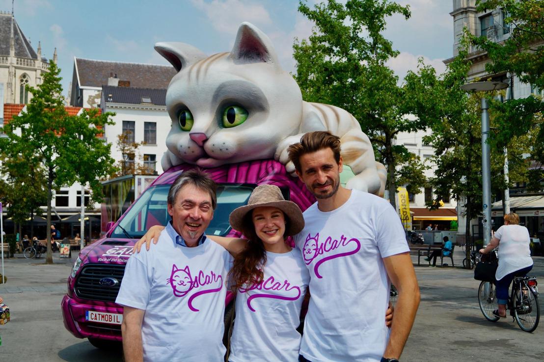 Aftrap Zomertournee 2018 in Antwerpen: Bill Barberis en Tanya Zabarylo aan het stuur van de GAIA-katmobiel