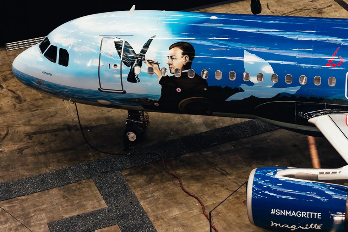 Brussels Airlines dévoile son avion Magritte unique