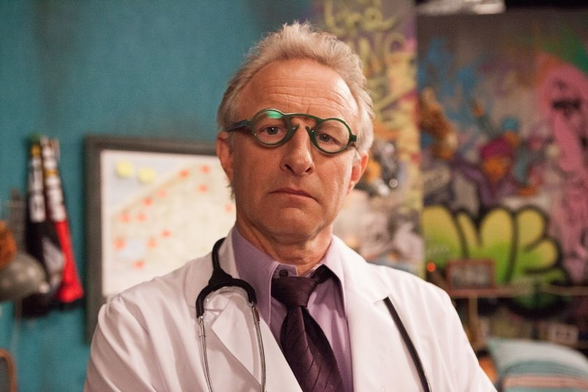 Dokter Erik Vingerhoets (Warre Borgmans) - (c) VRT