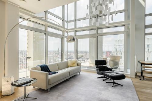 Vijf 'lucky' Antwerpse studenten kunnen studeren in dit luxueuze penthouse met zicht op Antwerpen