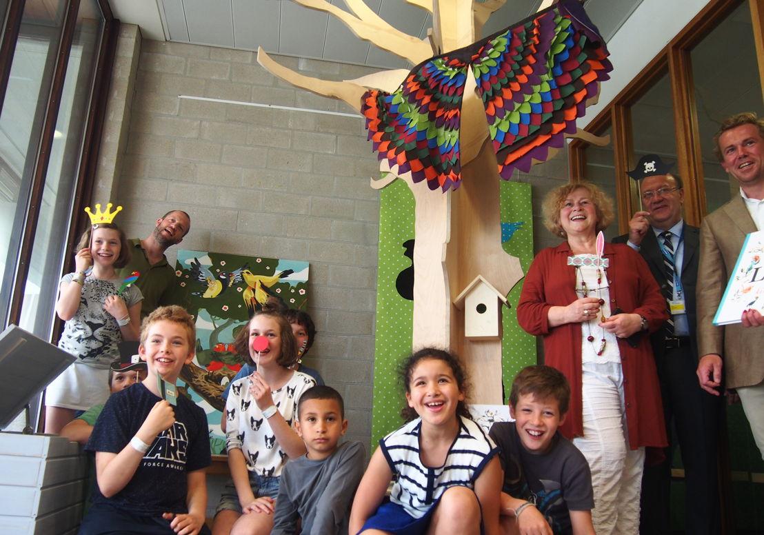 Project Geluksvogels strijkt neer in de ziekenhuisschool van UZ Gasthuisberg (c) Andy Merregaert