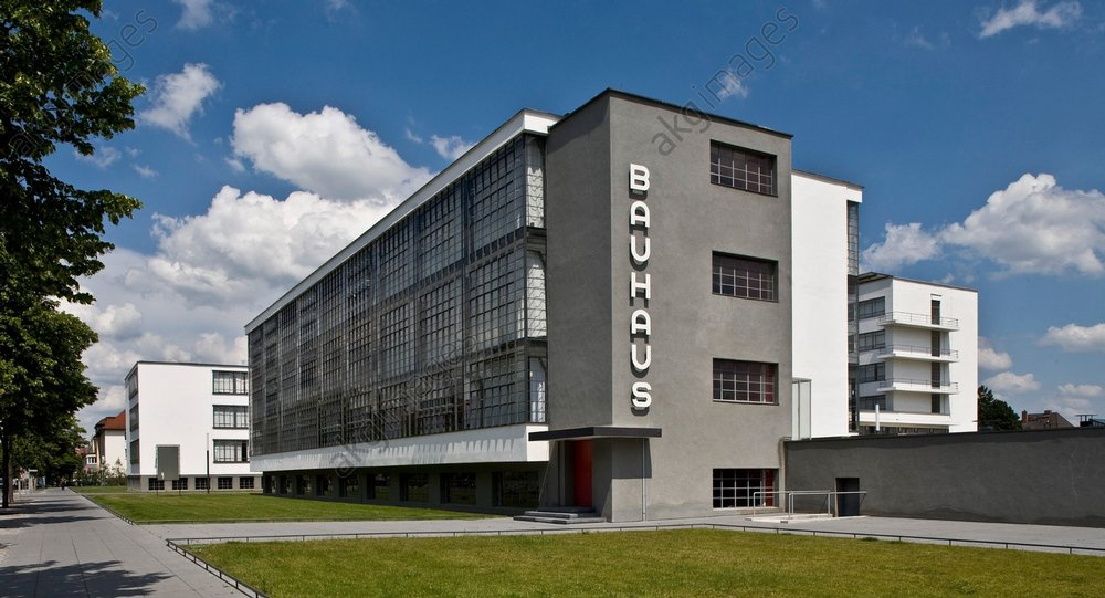 Bauhaus (Staatliches Bauhaus, school with arts and crafts workshops, architecture and fine arts; built in Dessau from 1925 after designs by Walter Gropius).<br/>AKG1108168