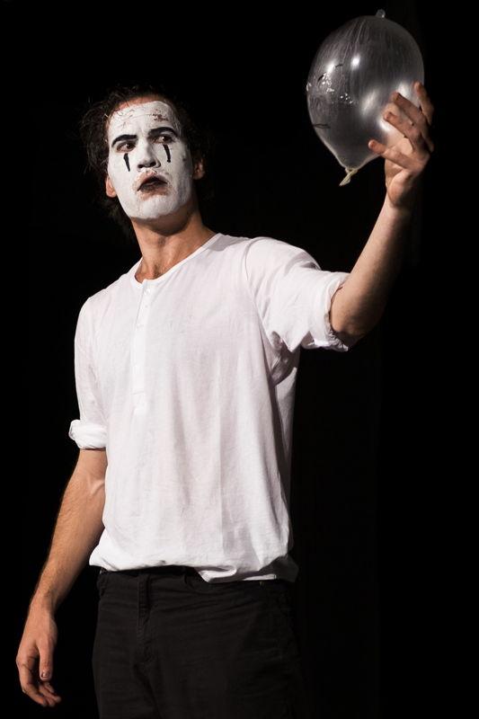 Death of a Clown with Ryan Napier - credit CuePix - Jeffrey Stretton-Bell National Arts Festival 2016