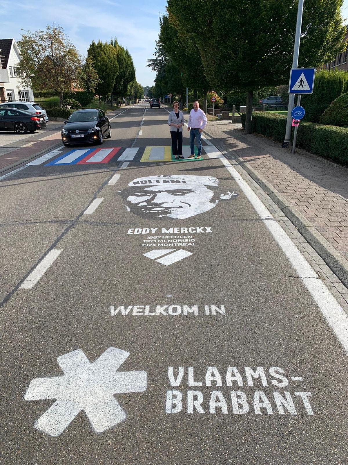 PUNCHEUR maakte een street art over Eddy Merckx in Keerbergen, op de plaats waar het peloton van het WK Wielrijden de provincie Vlaams-Brabant zal binnenrijden