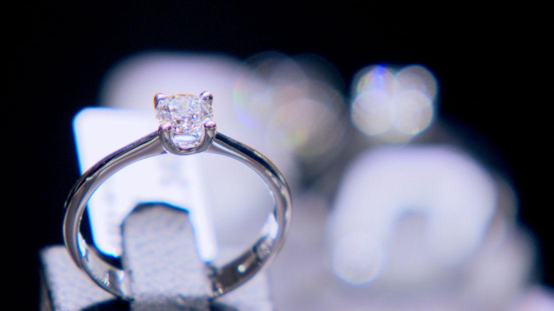 Een doe-het-zelf-diamanten ring<br/>Voor hetzelfde geld (c) VRT