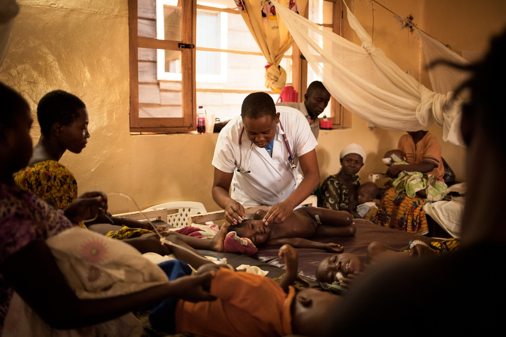 System identifier<br/>: MSF144094<br/>Title<br/>: Rutshuru Hospital, DR Congo<br/>Photographer / cameraman<br/>: Leonora Baumann<br/>Countries:<br/>Democratic Republic of Congo. From November 2014 to January 2015, the General Hospital of reference (HGR) of Rutshuru in the province of North Kivu, DRC, has treated hundreds of children, the first victims of an unprecedented malaria peak. This is the most important malaria peak which the Congolese staff has ever faced, both in terms of severity, but also number of cases and duration of the peak. A situation worsened by pathologies affecting the worst case: many respiratory infections and severe sepsis. MSF is supporting the Rutshuru HGR (287 hospital beds) in the North Kivu province since October 2005. MSF runs the &quot;hot pole&quot;: surgery, intensive care, emergency and burn support and case management for victims of sexual violence.