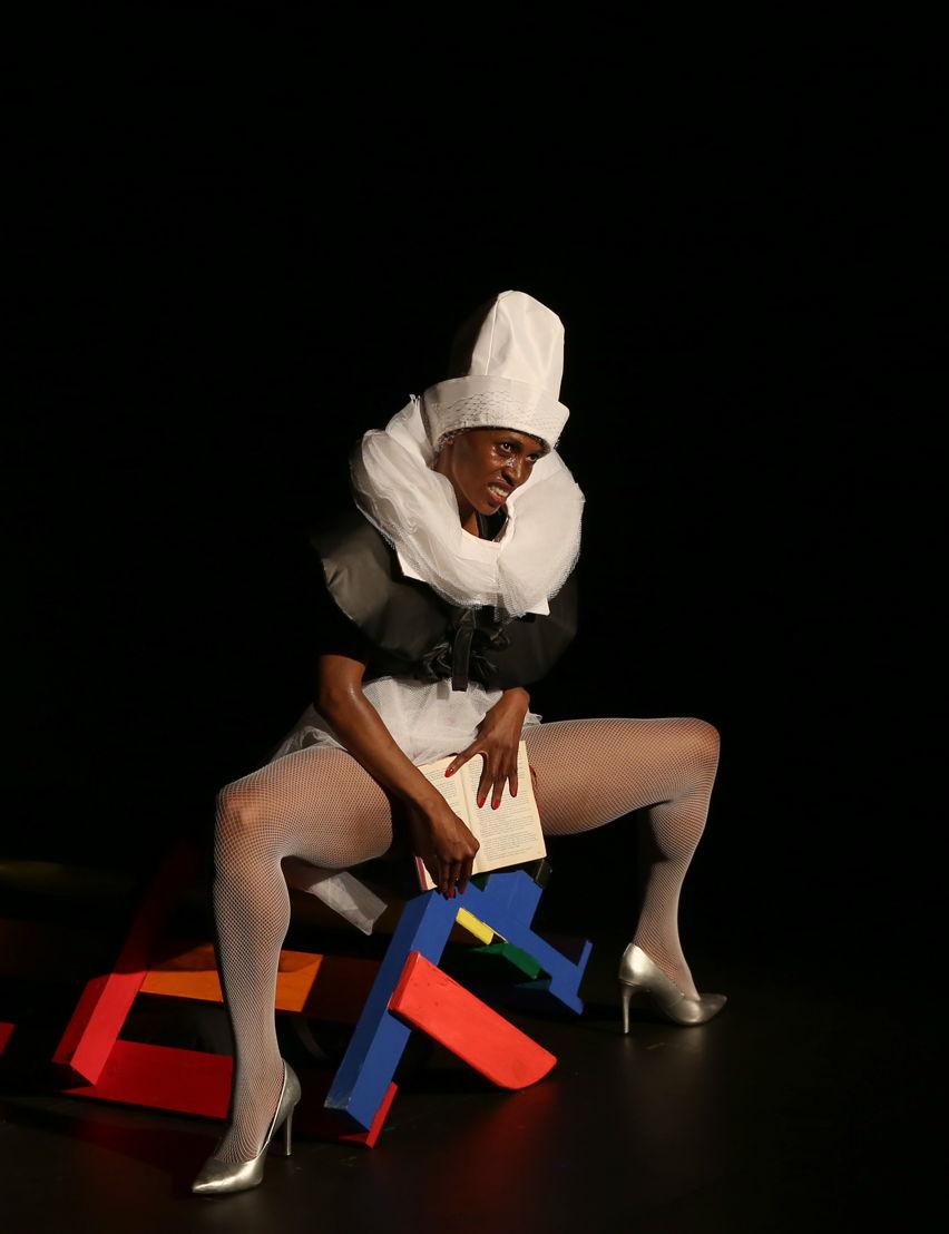 De-Apart-Hate with Mamela Nyamza - credit Nardus Engelbrecht Cape Town Fringe 2016