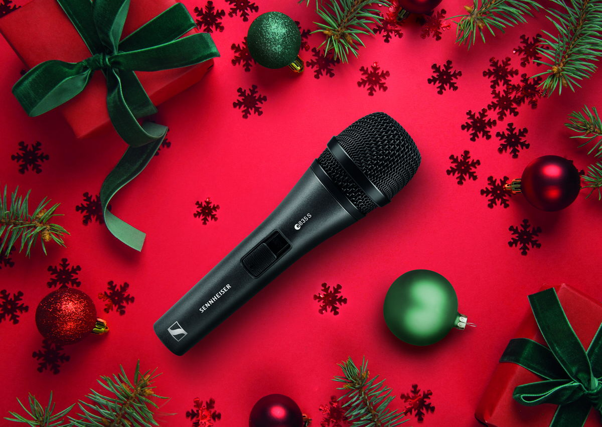 The Sennheiser e 835 /e 835 S is a dynamic, cardioid vocal microphone that's capable of cutting through high on-stage levels