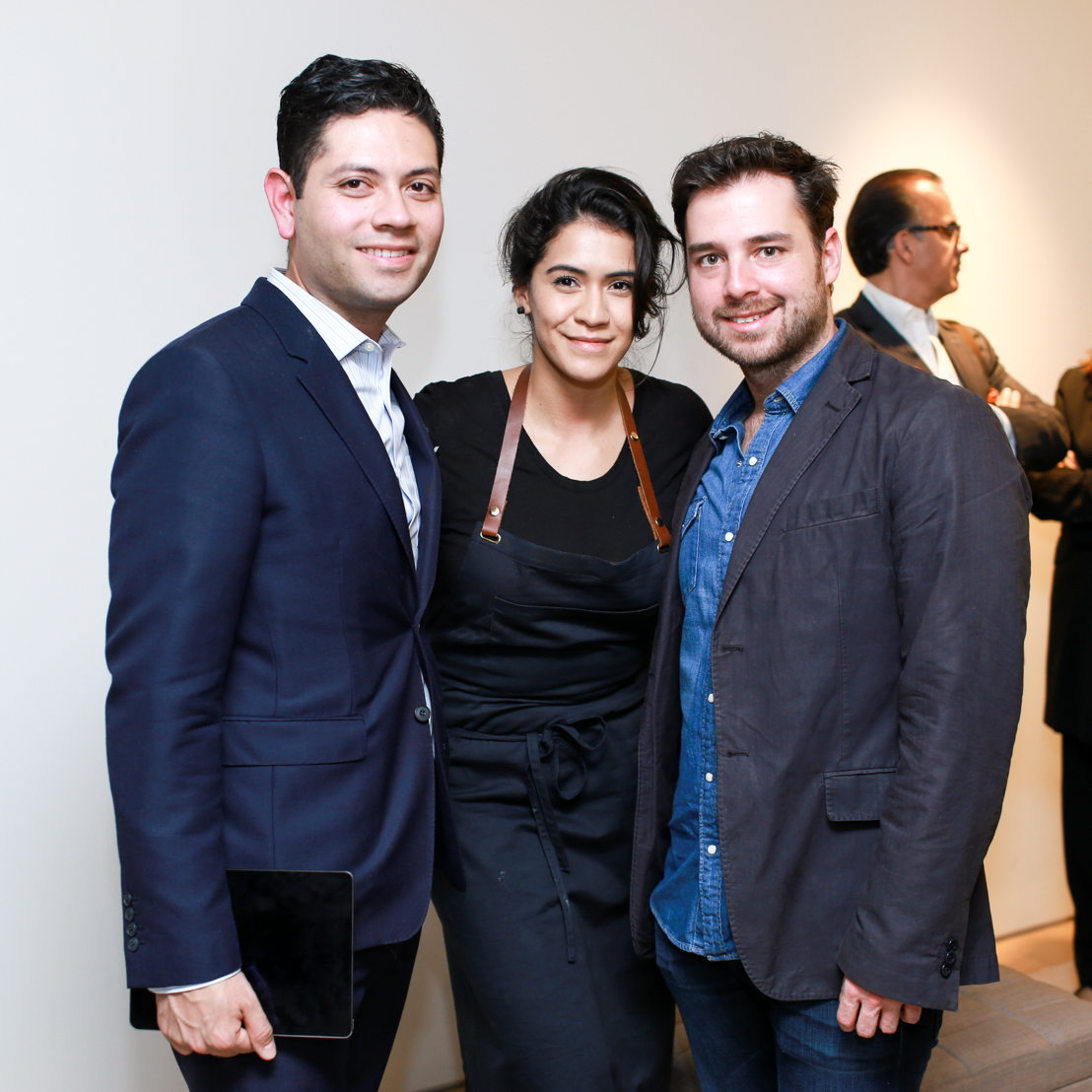 Hernan Martinez , Daniela Soto-Innes y Santiago Pérez