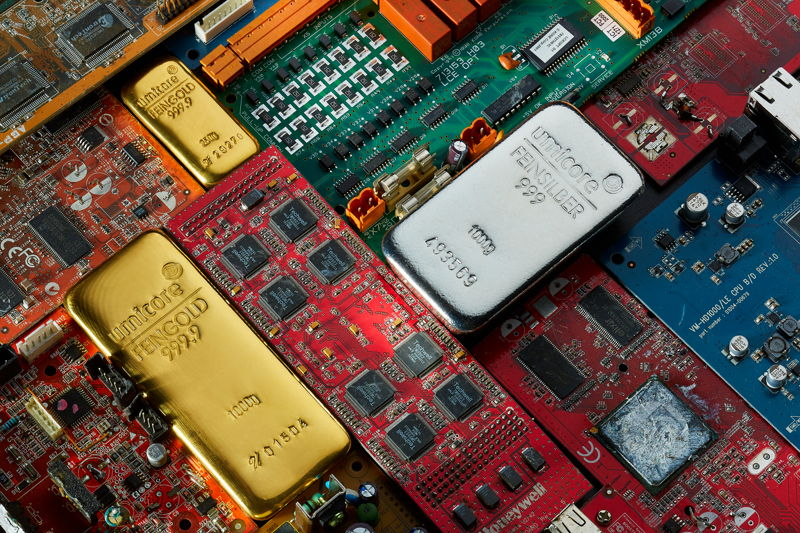 Composition of gold bar, silver bar and e-scrap, © Umicore, 2017