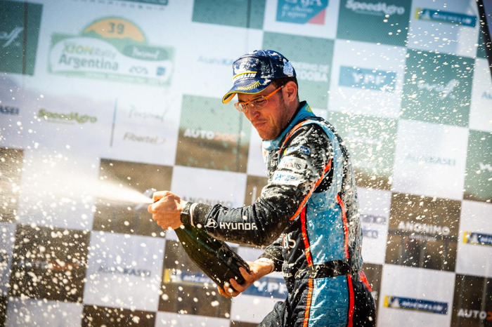 A winning weekend for Monroe® Safety Ambassadors Thierry Neuville and Andre Lotterer