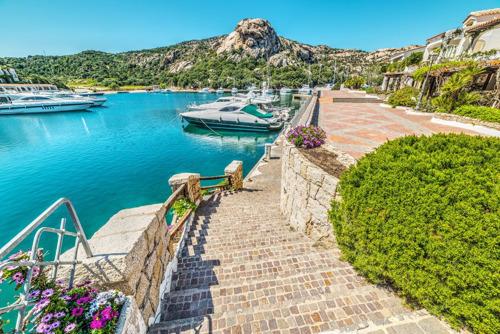 Corendon vous aide à choisir entre la Sicile et la Sardaigne