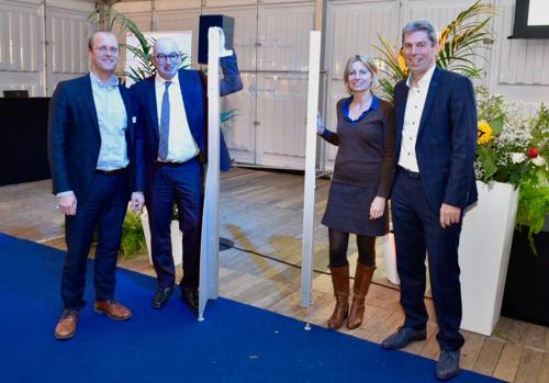 Fluvius en stad Mechelen huldigen samen het duurzame kantoorgebouw van Fluvius in.