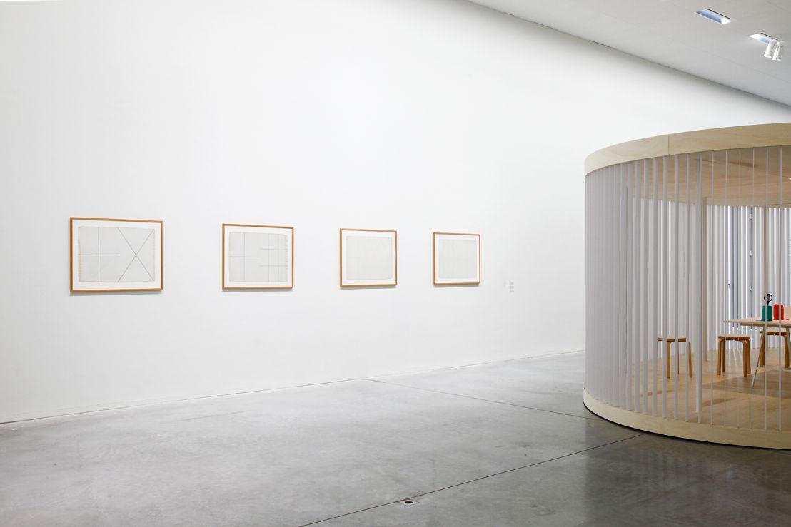Exposition Twisted Strings.  Détail des oeuvres de Dan Van Severen.  <br/>Foto (c) 2016 KK / www.document-architecture.com