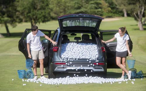 Hoeveel golfballen kunnen er in de koffer van een Tarraco?