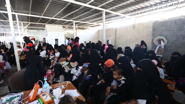 Women and children in the waiting area at MSF's mother and child hospital in Taiz Houban. Copyright: Nuha Mohammed/MSF