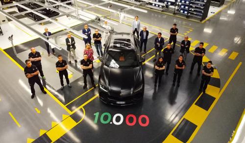 New production record: Automobili Lamborghini celebrates the 10,000th Urus