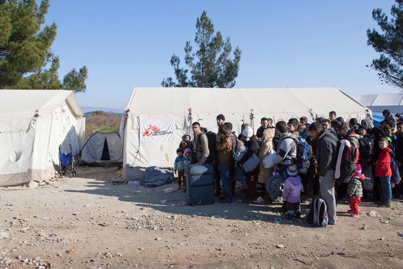 Photographer: Alex Yallop<br/><br/>Caption: Refugees from Iraq, Afghanistan and Syria wait to cross the border from Greece to Macedonia at Idomeni.