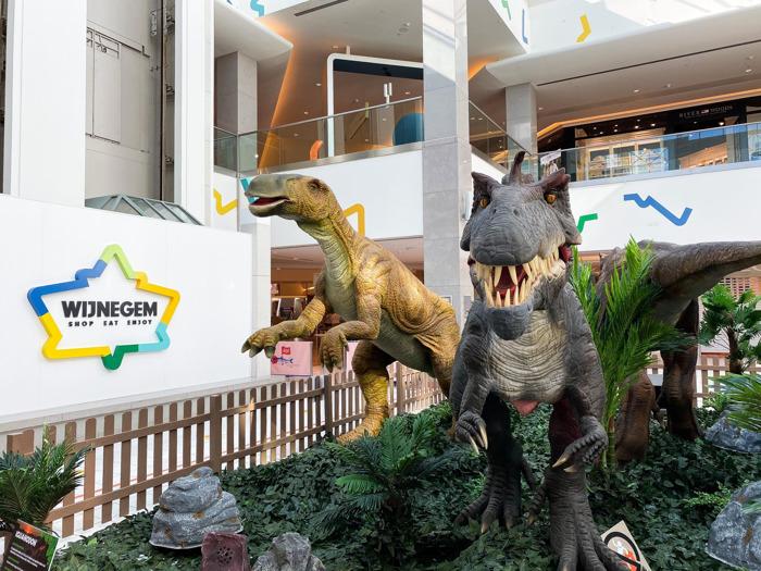 Levensgrote dinosaurussen palmen Wijnegem in
