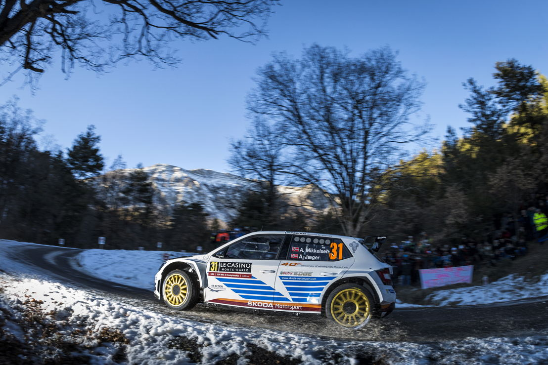 oasting a wealth of WRC experience, Andreas Mikkelsen/Anders Jæger impressed with a series of stunning stage wins on their guest appearance for the works team. They take a comfortable lead into the final two days.
