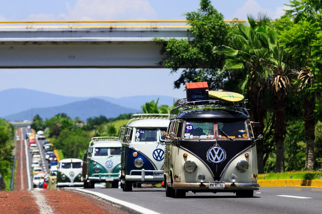 Volkswagen Vehículos Comerciales y Club Karman VW Vintage celebran el amor por Combi en Combivencia 2018