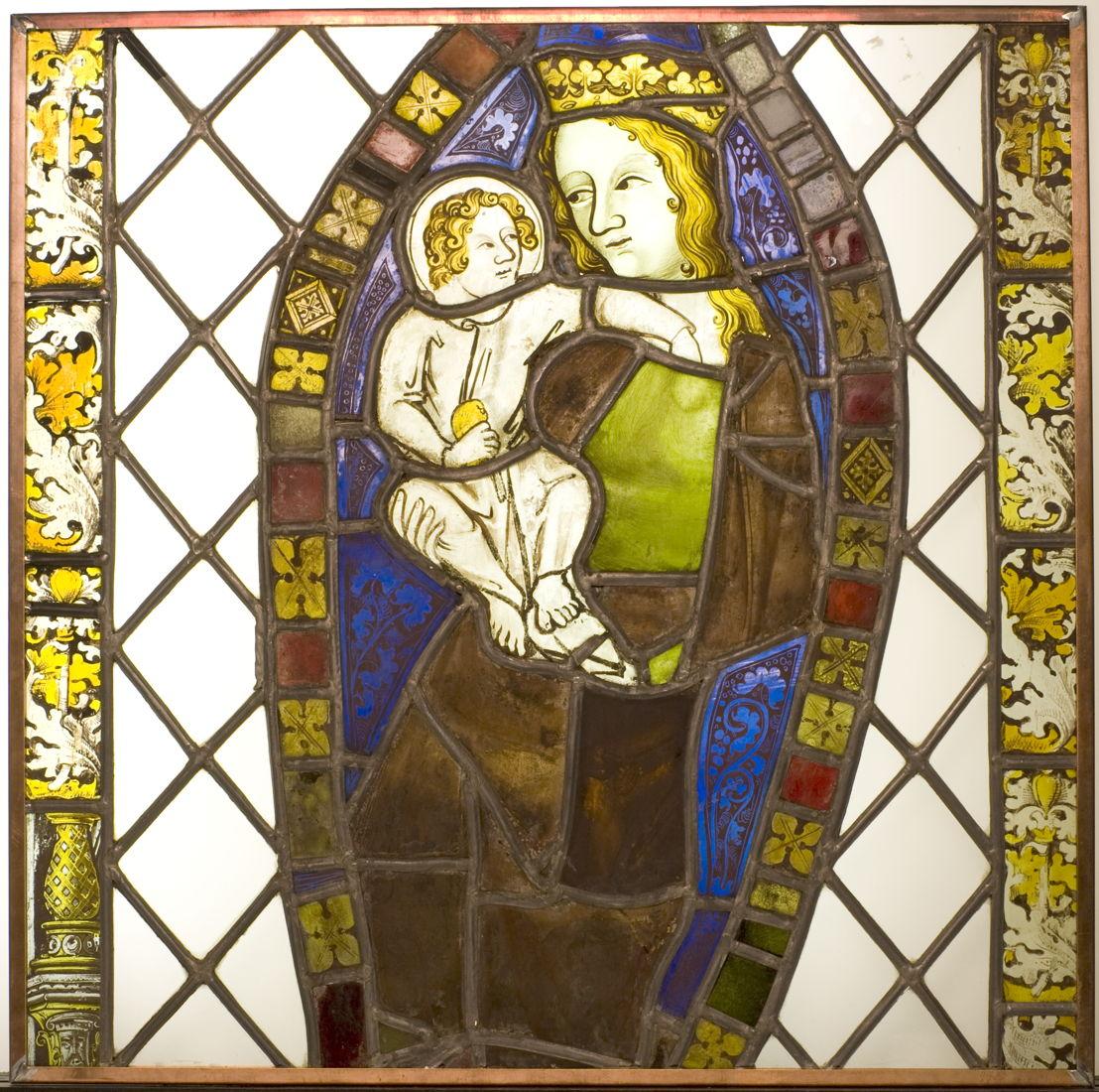 Onbekend, Maria met kind, Leuven, tweede helft 14de eeuw, gebrandschilderd glas-in-lood, 118 x 70 cm, M - Museum Leuven, inv. B/III/1<br/>© M - Museum Leuven, foto Paul Laes [1/2]