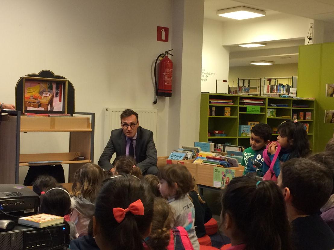 La première heure de conte dans la bibliothèque de Schaerbeek