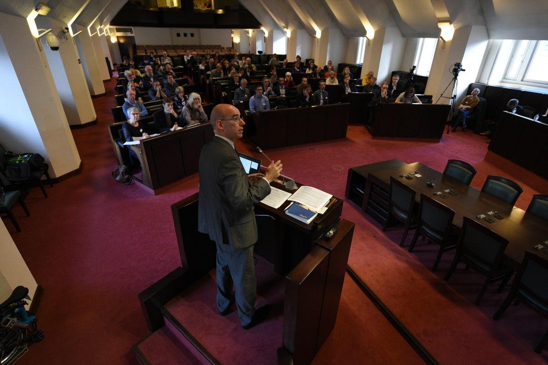 Jo Swyngedouw, hoofd prudentieel beleid en financiële stabiliteit bij Nationale Bank van België, licht toe wat de instelling doet met betrekking klimaatverandering.