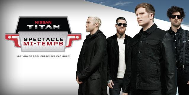Fall Out Boy en prestation lors du spectacle de la mi-temps Nissan Titan de la 103e édition de la Coupe Grey, présentée par Shaw.