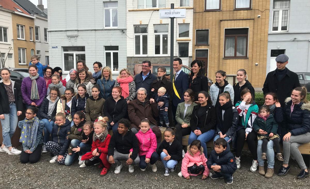 Inhuldiging van het Rose d'Ivry park in Oostende, in aanwezigheid van burgemeester Bart Tommelein, de familie van Rose en de leerlingen van haar balletschool (27 april 2019) © Foto Stad Oostende