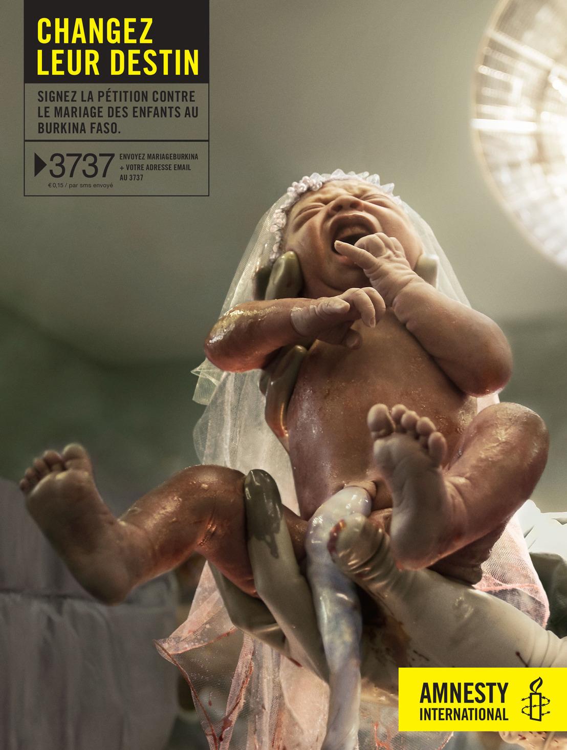 Air marie un bébé pour Amnesty