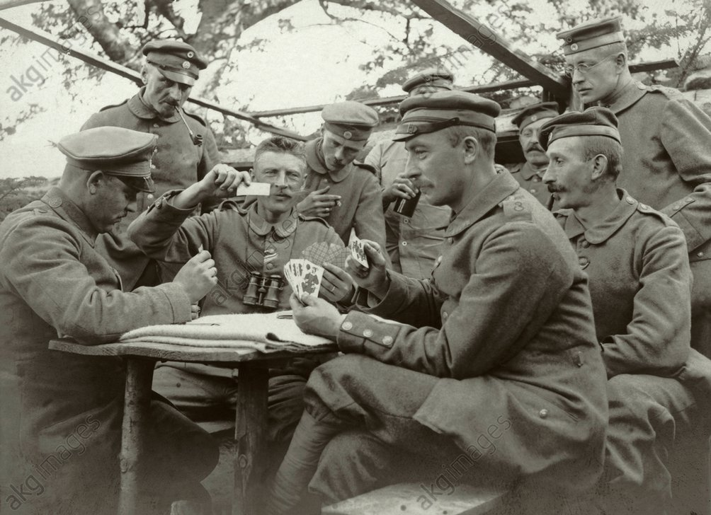 German soldiers playing cards, Sur le Plat, Orbey, Alsace. Photo, 1916<br/>AKG1803346