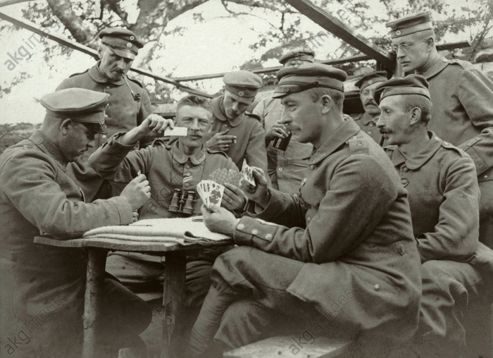A personal view of the First World War: Photo albums