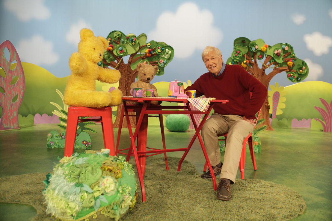 ABC KIDS' Play School's Big Ted, Little Ted with John Hamblin - Play School Celebrity Covers