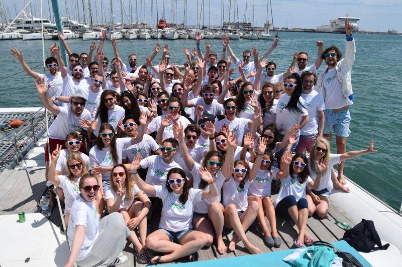 Das Shpock-Team hat sich im vergangenen Jahr verdoppelt. 94 Team-Mitglieder aus 26 verschiedenen Nationen arbeiten am perfekten mobilen Flohmarkt-Erlebnis - und es wird noch Verstärkung gesucht.