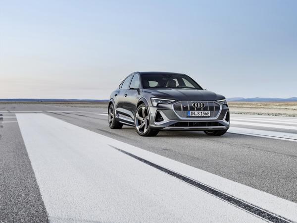 Preview: Innovantes, dynamiques et électriques : les Audi e-tron S et e-tron S Sportback