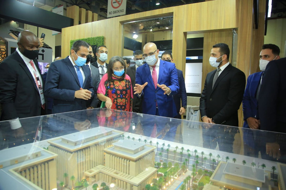 Dr. Assem El Gazzar, Minister of Housing, Utilities, and Urban Communities, Her Excellency Patricia de Lille, Honourable Minister of Public Works and Infrastructure of South Africa with El Soadaa group at The Big 5 Construct Egypt.