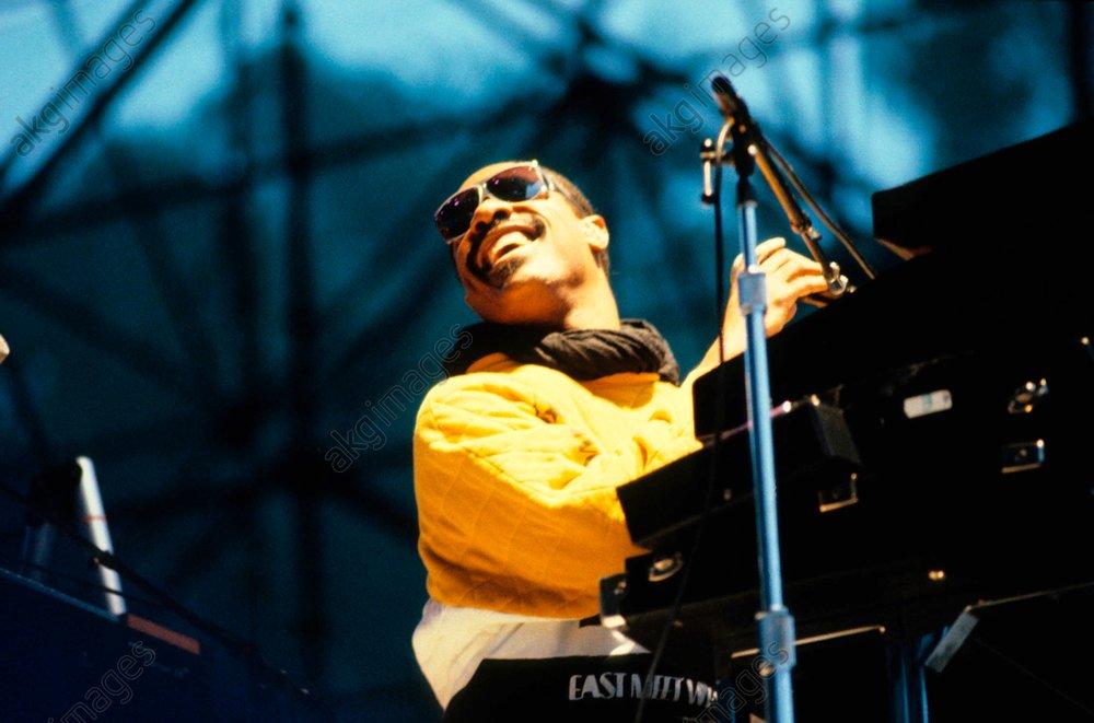 Stevie Wonder live, 1980s <br/>AKG748679