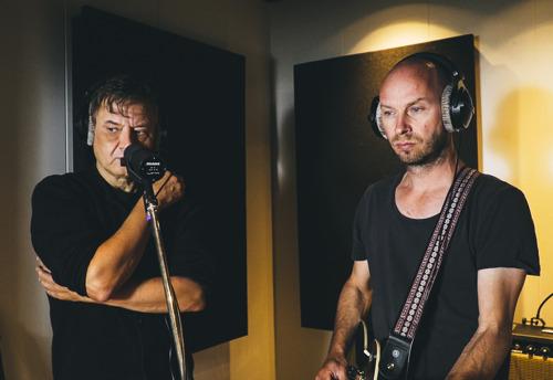 VIDEO | Bart Peeters en Tom Vanstiphout maken unieke cover van Raymonds 'Ik heb je graag'