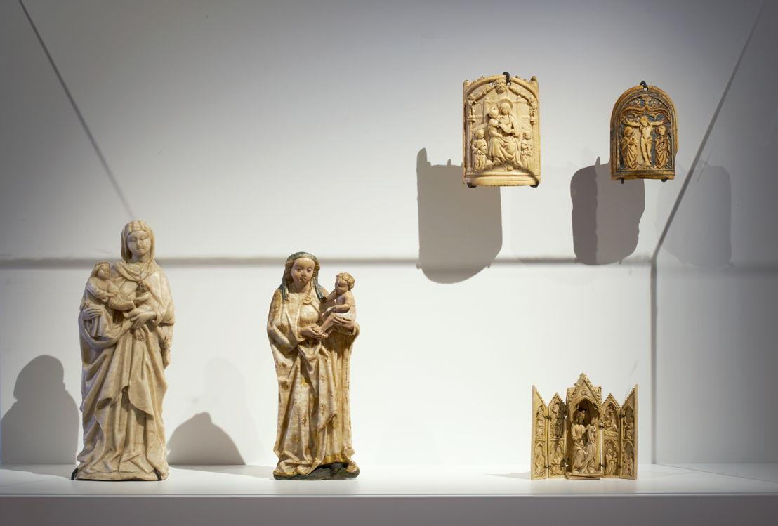 Tabernacle d'autel avec volets &amp; deux osculatoires<br/>Photo (c) Dirk Pauwels