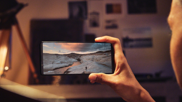 Preview: Sony Electronics New Xperia 1 III and Xperia 5 III Smartphones Deliver an Elevated Photo, Video and Entertainment Experience for Creators